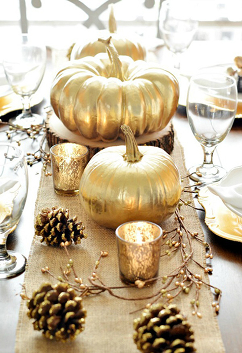 A beautiful, transitional tablescape