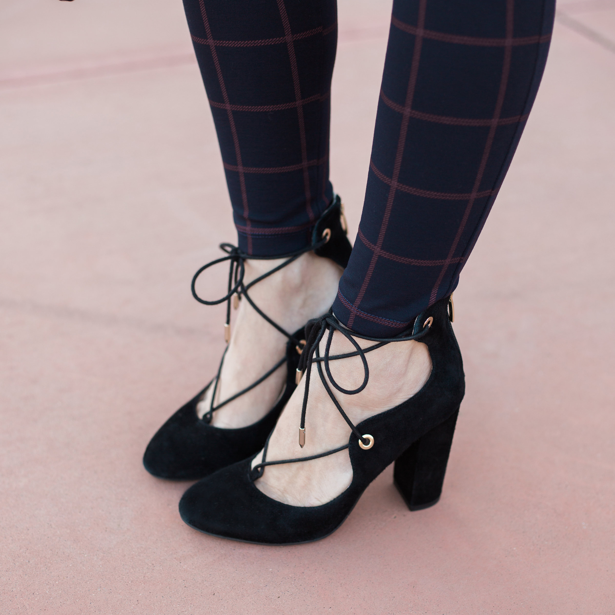 Lace-up black block heel